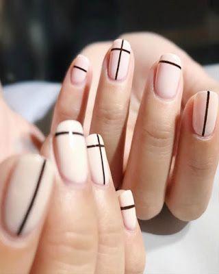 Uñas con líneas negras