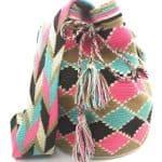 mochila-wayuu-destacada rombos rosas celestes