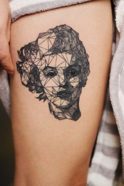 Tatoo de Marilyn Monroe geométrico