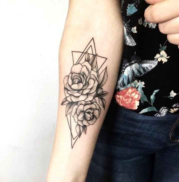 tattoo lobo geometrico