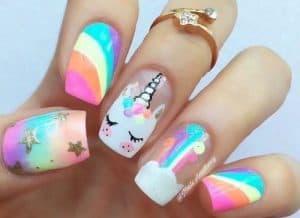 decoracion de uñas con unicornios